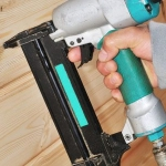 How to Use a Nail Gun with Safety First