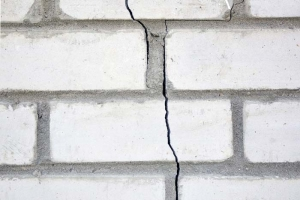 vertical cracks