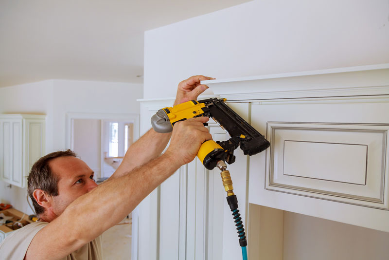 what type of nail gun do you use for crown molding